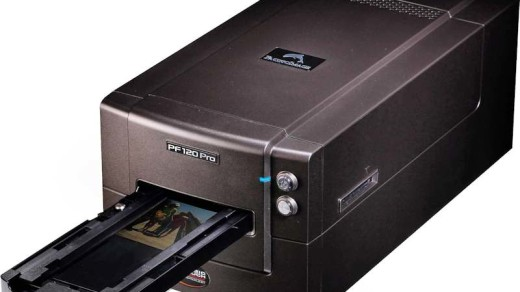 Pacific Image PrimeFilm 120 800px OPTI | Pacific Image PrimeFilm 120 with automatic negative feeder. Image from Pacific Image http://www.scanace.com